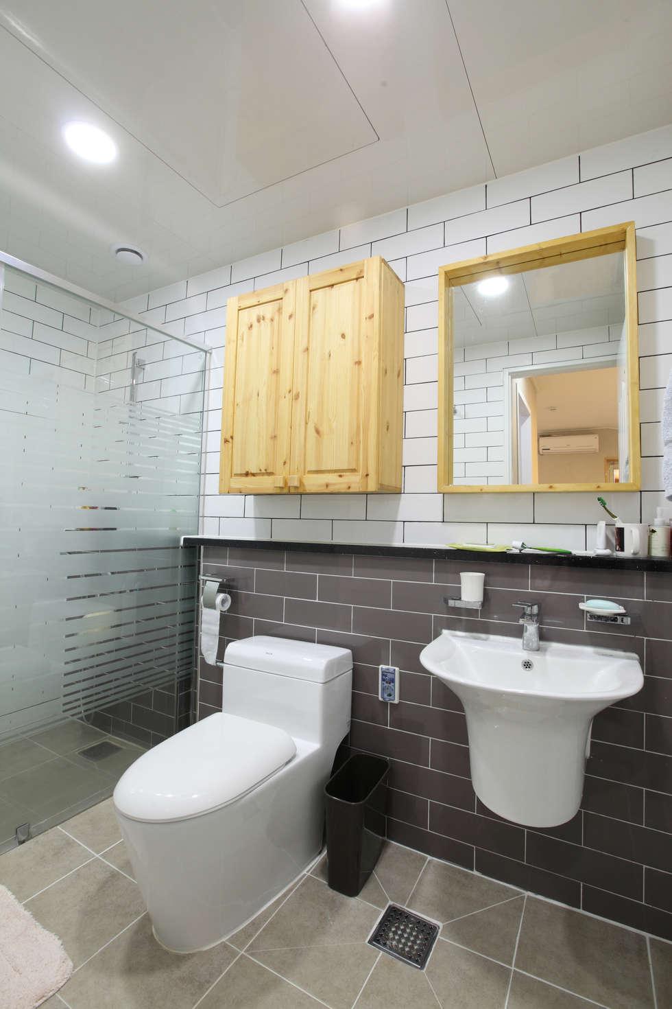 욕실: 주택설계전문 디자인그룹 홈스타일토토의  화장실