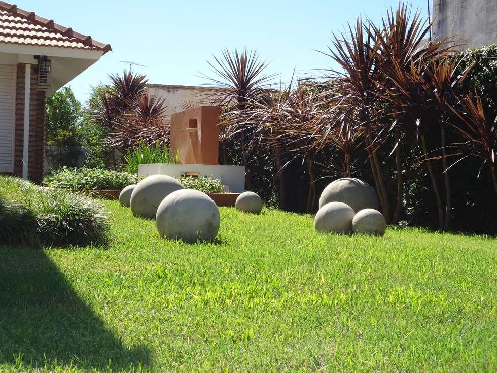 paisaje parque vivienda chalet jardines de estilo eclctico por milena oitana