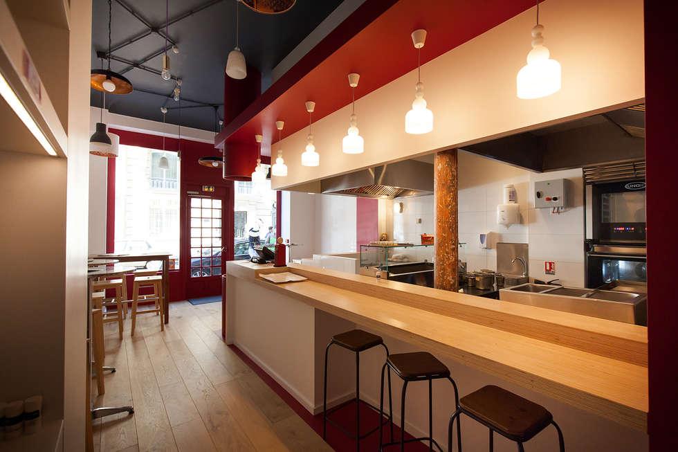Le bar: Restaurants de style  par CAROLINE DUBAU