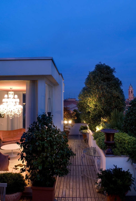 Casa Alessandra - terrazzo: Terrazza in stile  di Studio Carlo Dal Bianco