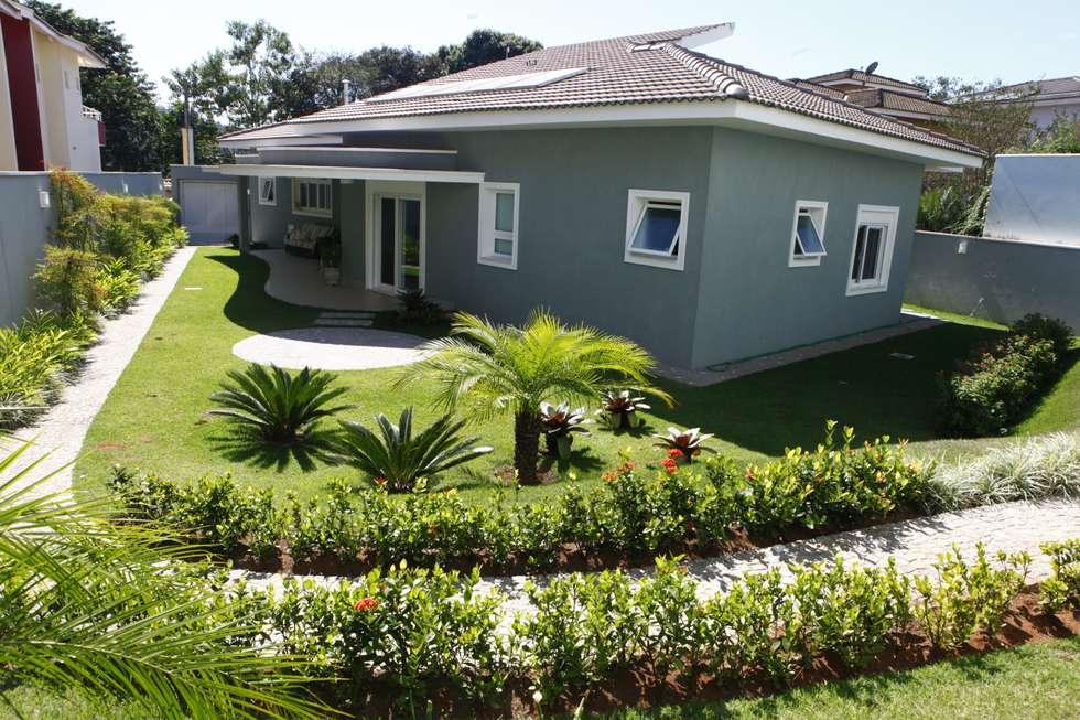 RESIDÊNCIA: Casas modernas por Vettori Arquitetura
