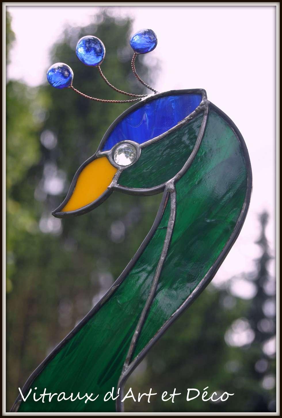 Paon (détail tête): Jardin de style de style eclectique par Vitraux d'Art et Déco