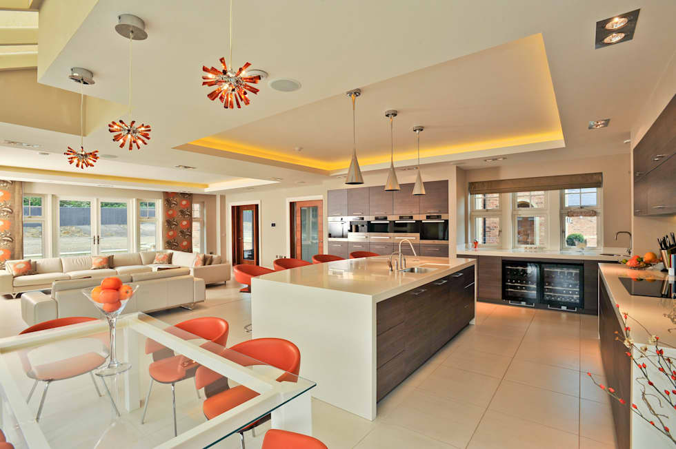 Beech Kitchen: modern Kitchen by Diane Berry Kitchens