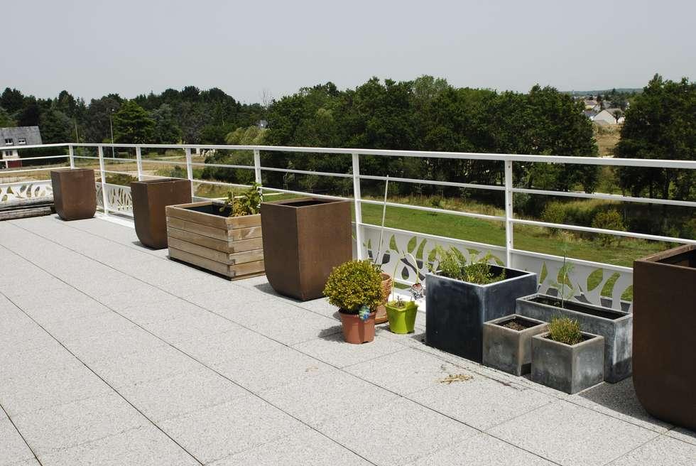 Photos de space de style : aménagement d\'une terrasse plein sud de ...