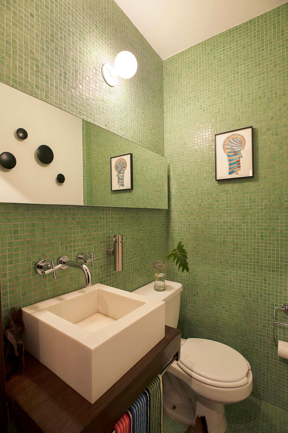 Baños de estilo moderno por Germán Velasco Arquitectos