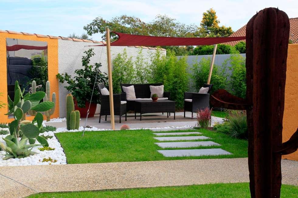 Jardin d'inspiration mexicaine: Jardin de style de style Moderne par CONCEPTUELLES PAYSAGE ET DECORATION