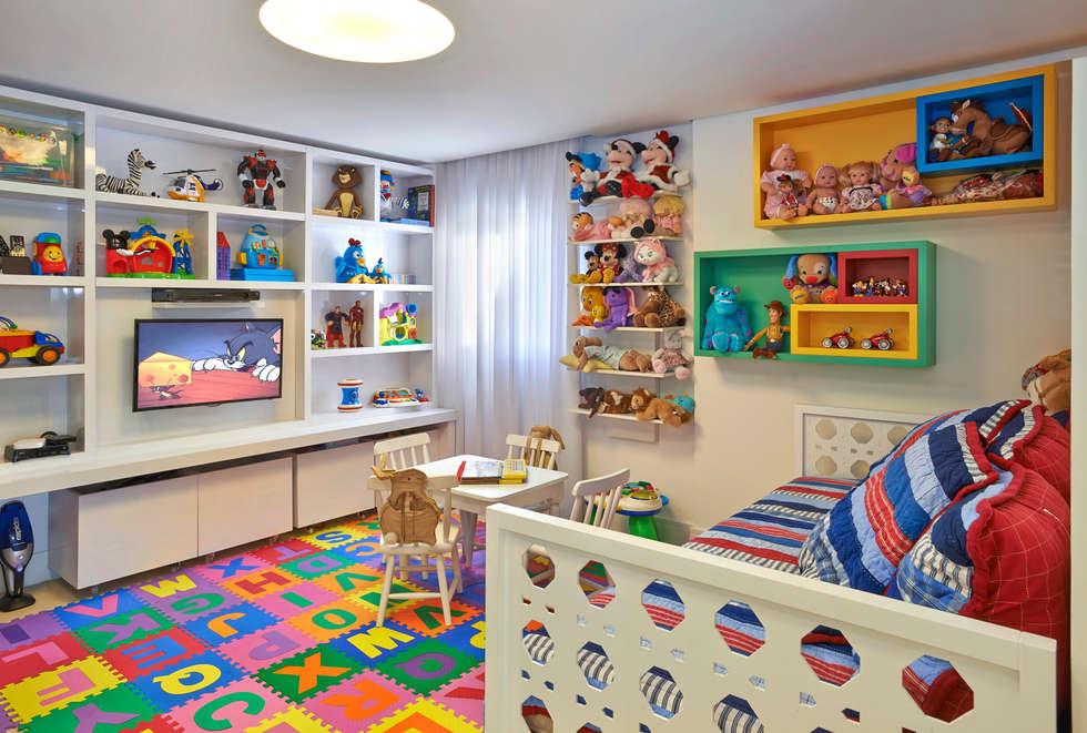BRINQUEDOTECA: Quarto infantil  por Juliana Goulart Arquitetura e Design de Interiores