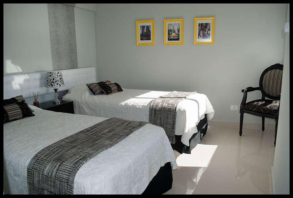 Tercer dormitorio - Personal y ECLECTICO: Dormitorios de estilo ecléctico por Diseñadora Lucia Casanova