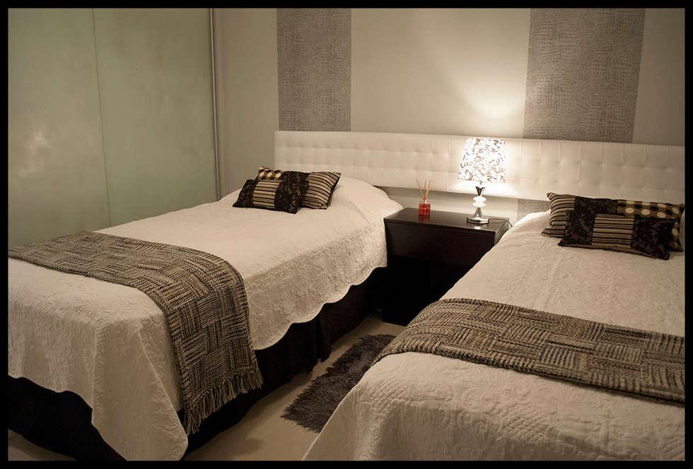 Dormitorio personalizado y eclectico: Dormitorios de estilo ecléctico por Diseñadora Lucia Casanova