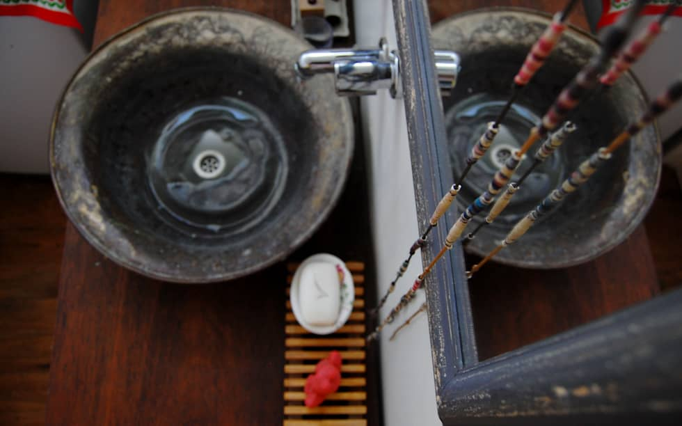 antebaño: Baños de estilo industrial por Guadalupe Larrain arquitecta