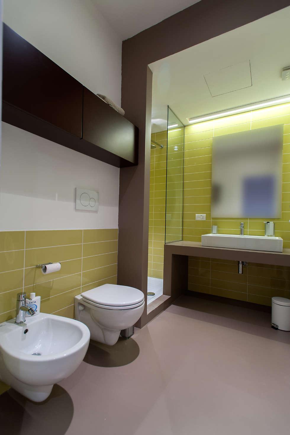 post: Bagno in stile in stile Moderno di 2bn architetti associati