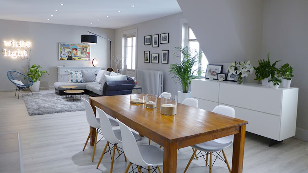Une pièce à vivre contemporaine et chaleureuse: Salle à manger de style de style Moderne par Skéa Designer