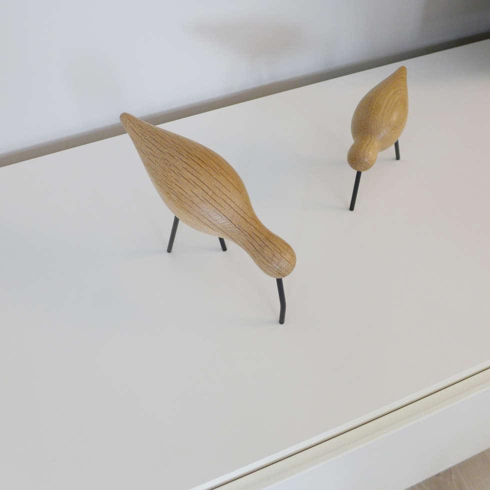 Deux oiseaux en guise de déco: Salon de style de style Moderne par Skéa Designer