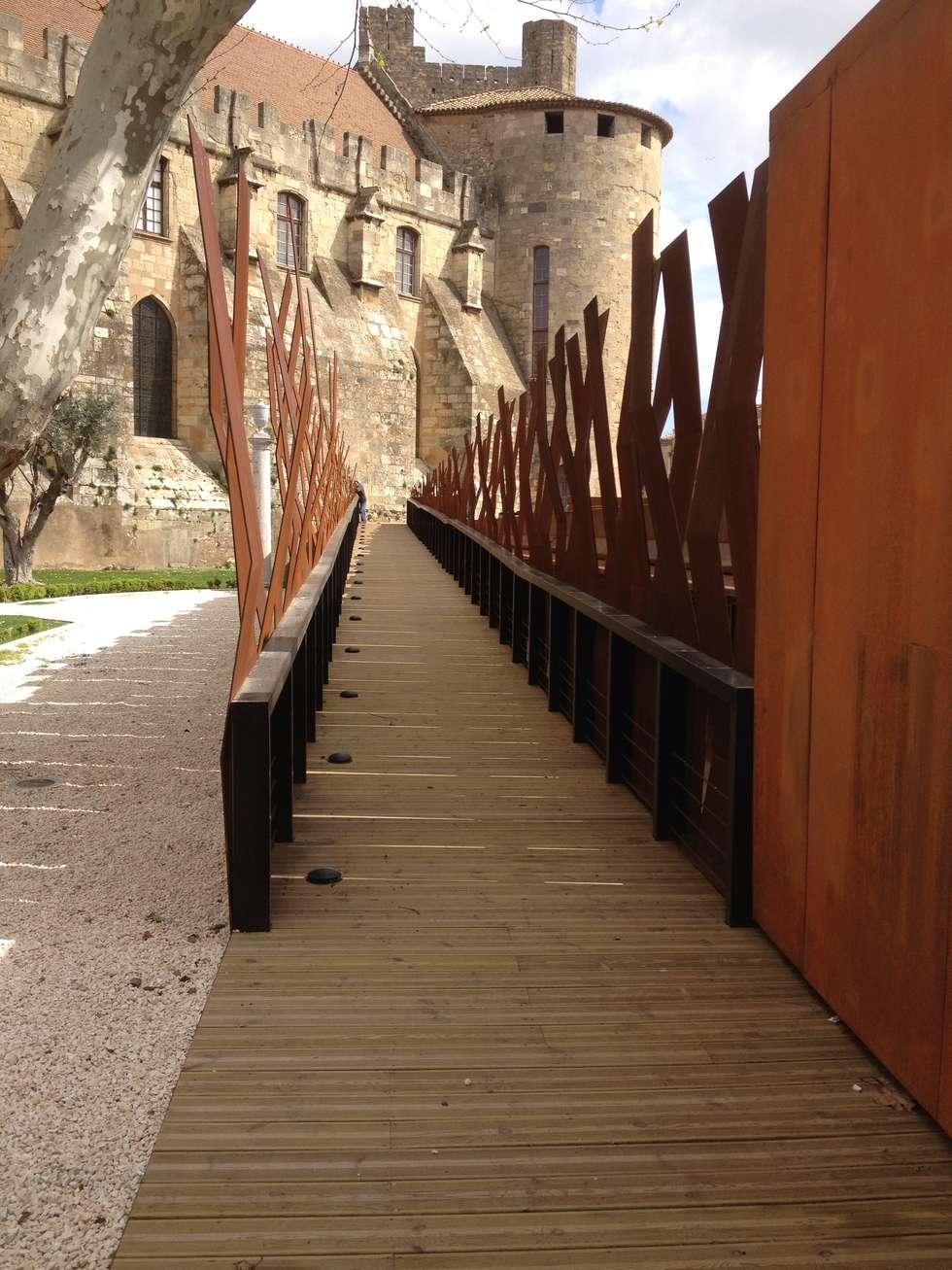 Rampe d'accès: Lieux d'événements de style  par BATIR AU NATUREL