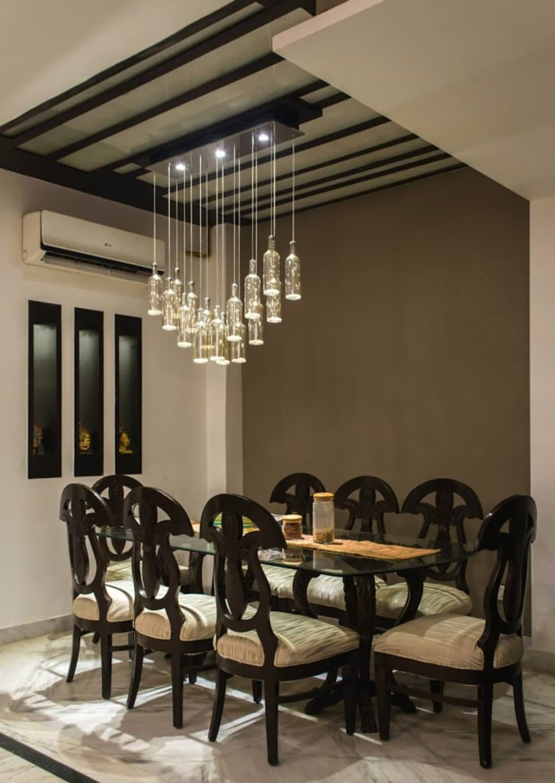Singh Residence: modern Dining room by Studio Ezube