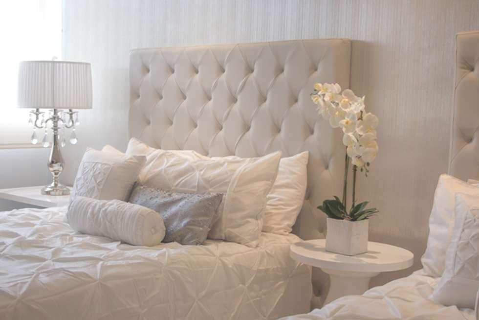 Habitación doble:  de estilo  por Monica Saravia