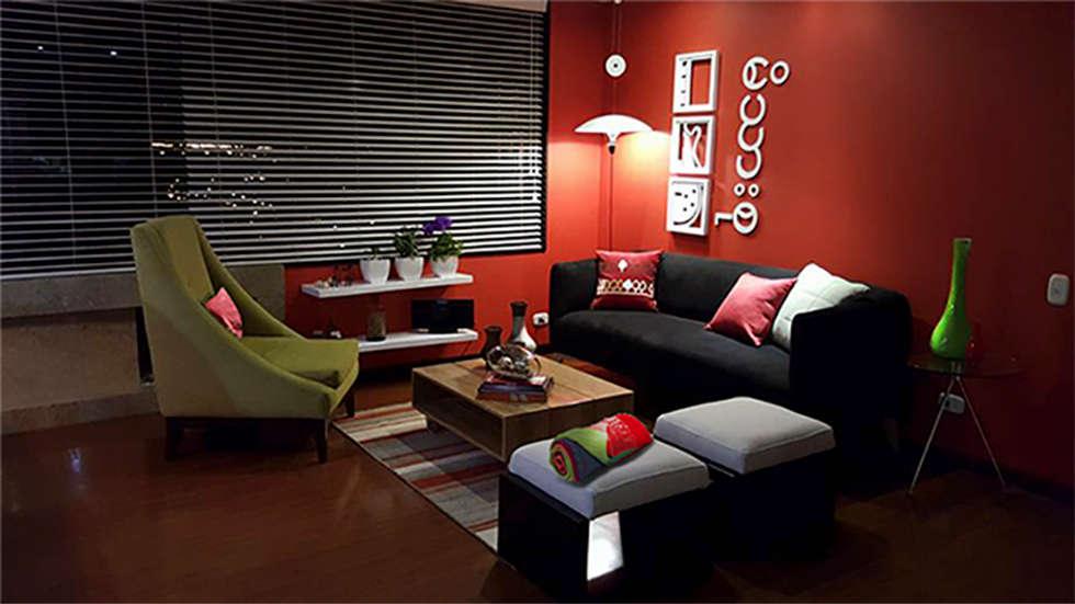 Sala Ciudad Salitre Bogotá: Salas de estilo moderno por Omar Plazas Empresa de  Diseño Interior, remodelacion, Cocinas integrales, Decoración