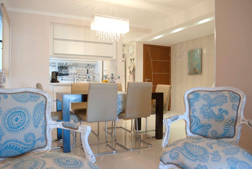 Invitados a la mesa...: Comedores de estilo ecléctico por Diseñadora Lucia Casanova