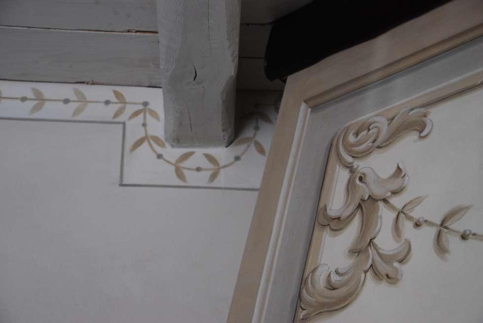 Particolare decorativo: Soggiorno in stile in stile Rustico di Ghirigori Lab di Arianna Colombo