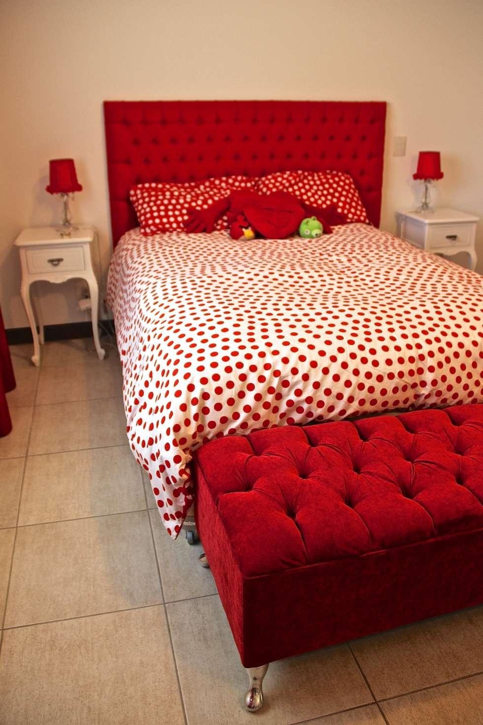 DORMITORIO HIJA 2: Dormitorios infantiles de estilo moderno por HOME UP