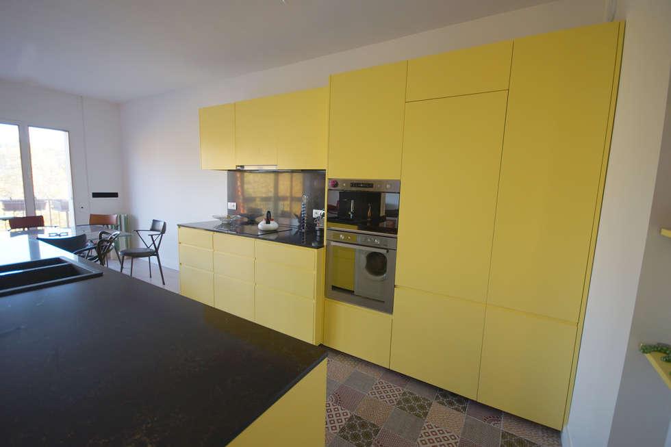 Cuisine sur mesure. Architecte Paris. Grazia architecture.: Cuisine de style de style Moderne par Grazia Architecture