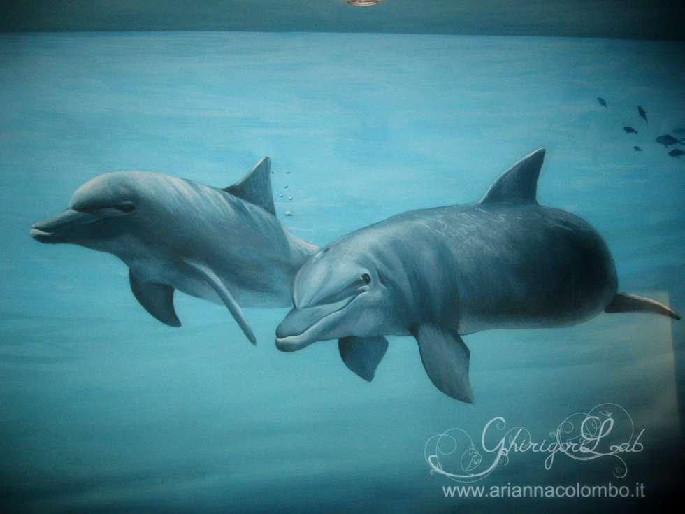 Fondale marino, delfini: Pareti in stile  di Ghirigori Lab di Arianna Colombo