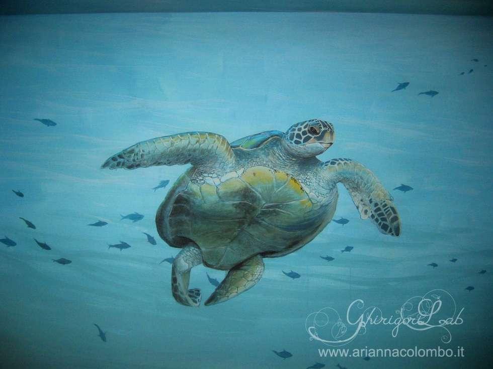 Fondale marino tartaruga : Pareti in stile  di Ghirigori Lab di Arianna Colombo
