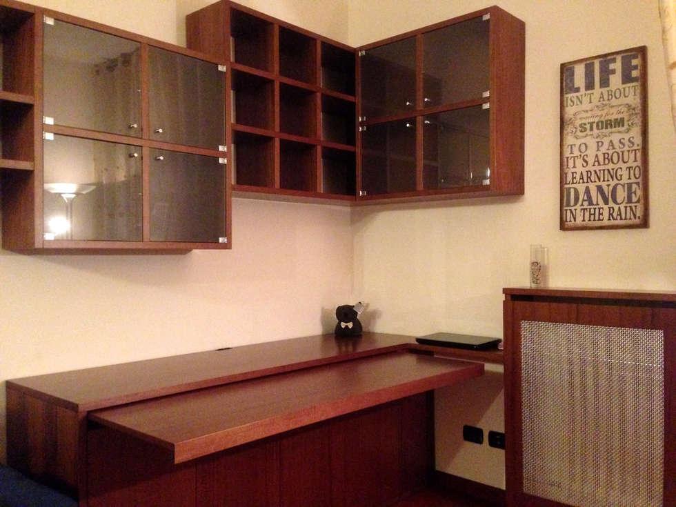 Foto di soggiorno in stile in stile moderno : progetto mobile soggiorno  homify