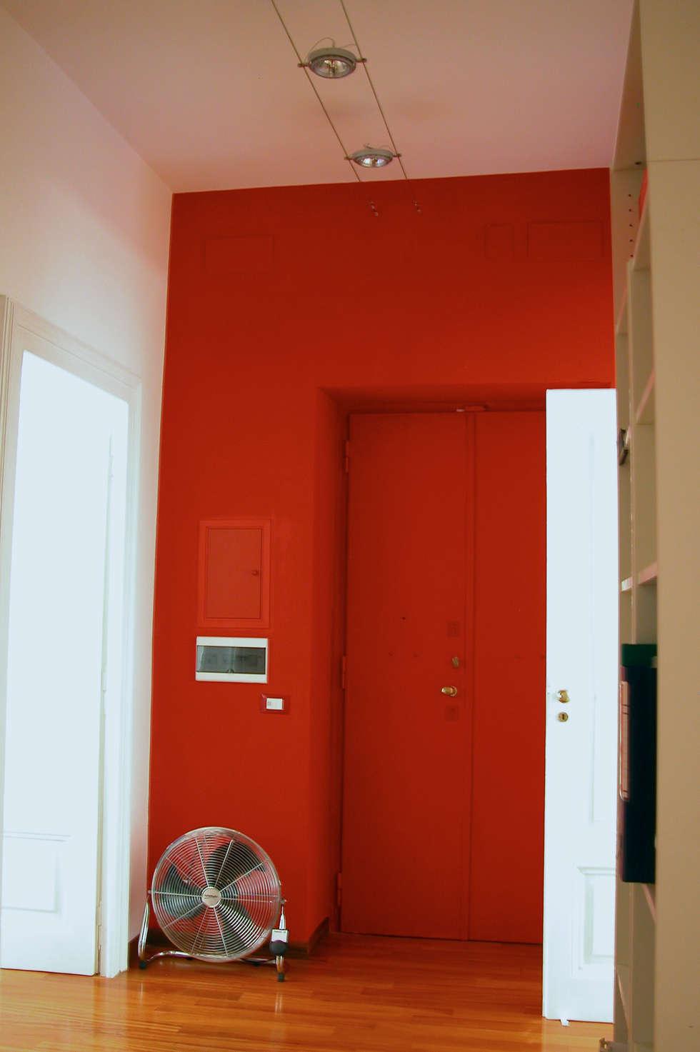 Ingresso: Ingresso & Corridoio in stile  di Barbara Baldrati Architetto