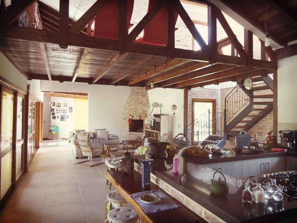 Cuisine de style de style Rustique par Zani.arquitetura