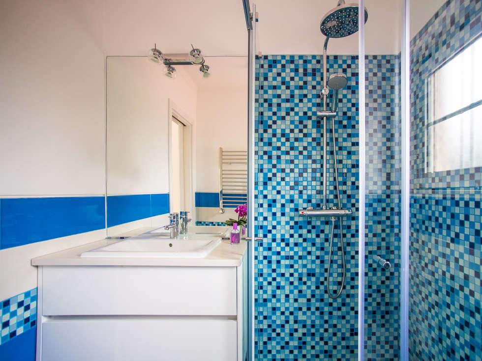 Fotos de casas de banho modernas: a casa de banho acqua e herbal  homify