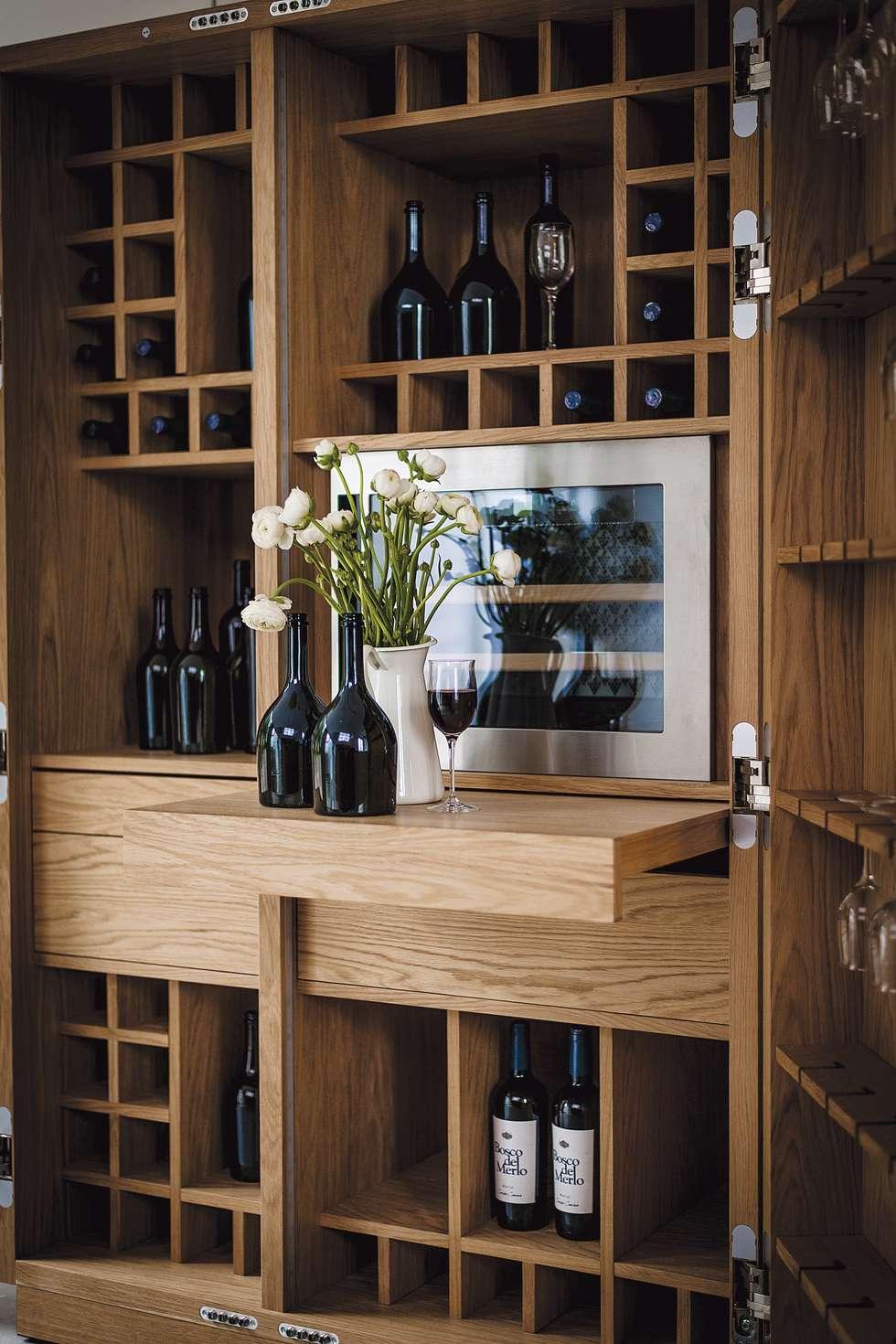 Cambusa Wine design Giuliano Cappelletti: Cucina in stile in stile Moderno di Riva1920