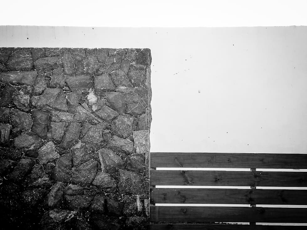 FOTO EXTERIOR: Paredes de estilo  por CCMP Arquitectura