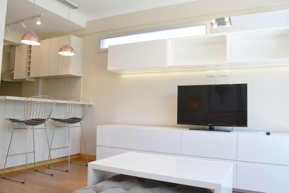 Mueble de TV: Livings de estilo minimalista por Estudio Nicolas Pierry