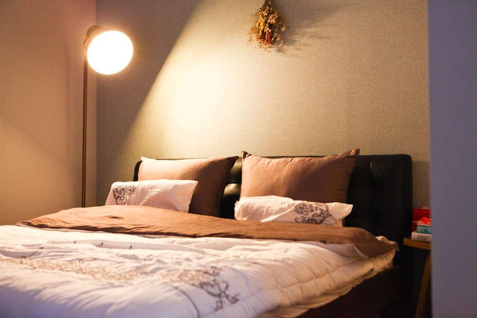 강아지와 함께하는 전원주택 : 한글주택(주)의  침실
