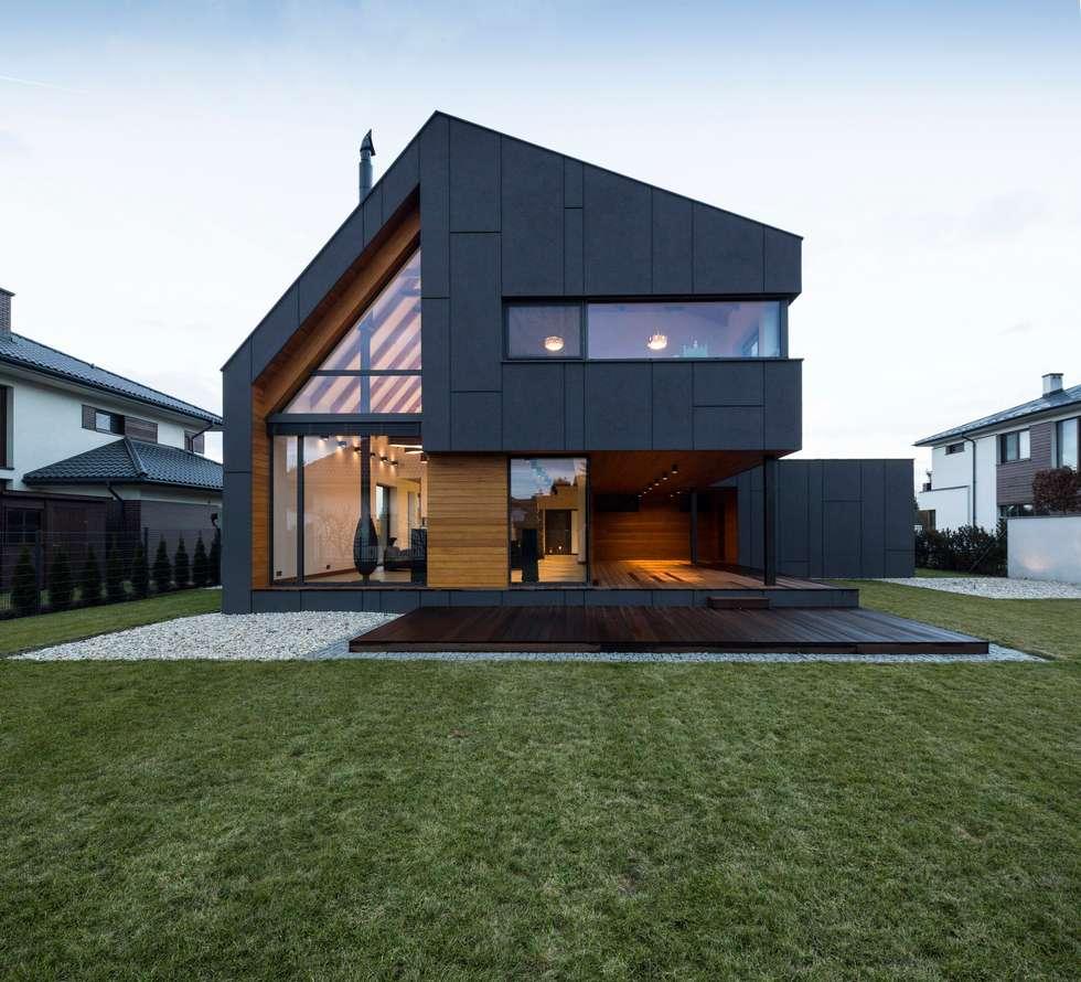 RYB house: styl nowoczesne, w kategorii Domy zaprojektowany przez BECZAK / BECZAK / ARCHITEKCI