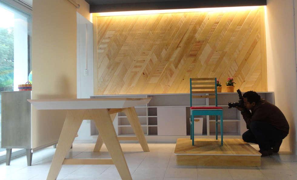 Despacho de Retail Design: Espacios comerciales de estilo  por Additivo al diseño