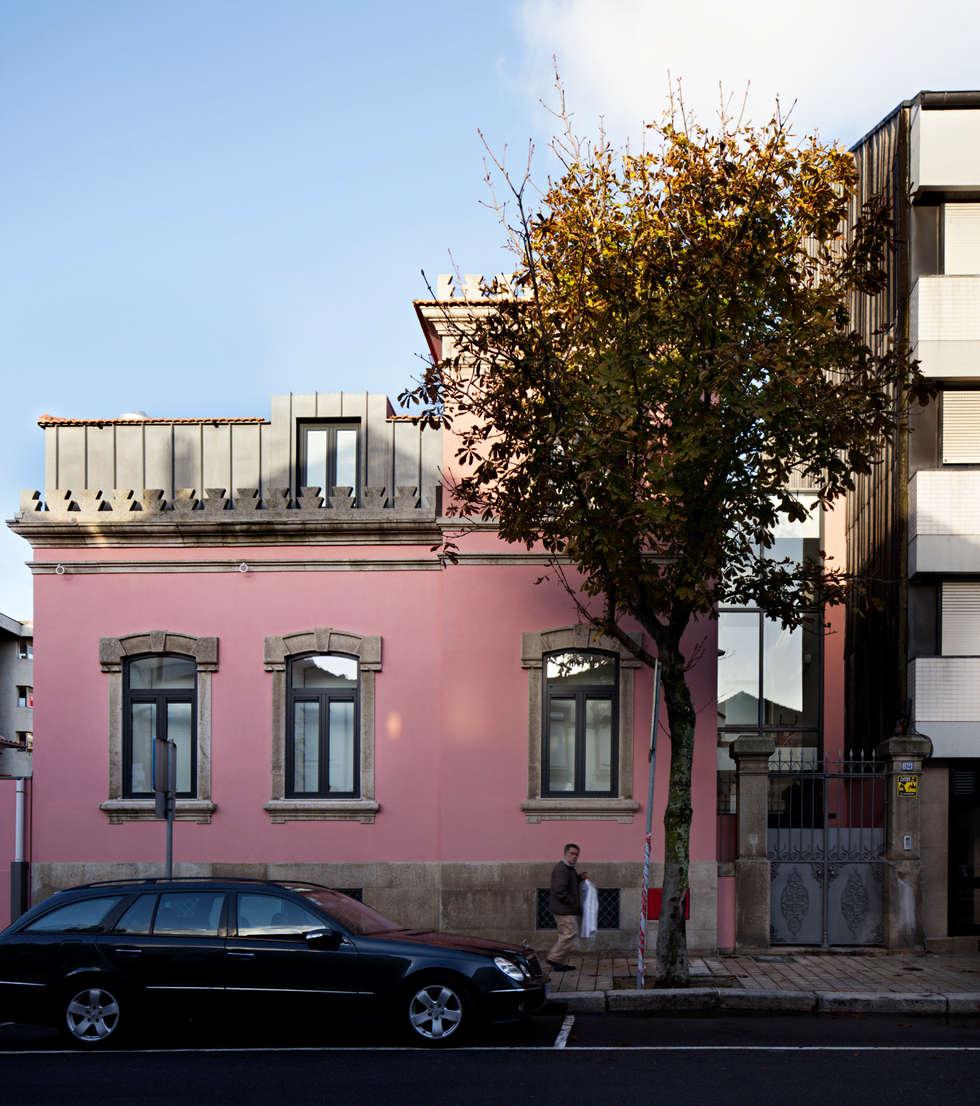 Kindergarten and Nursery - Refurbishment : Casas minimalistas por es1arq