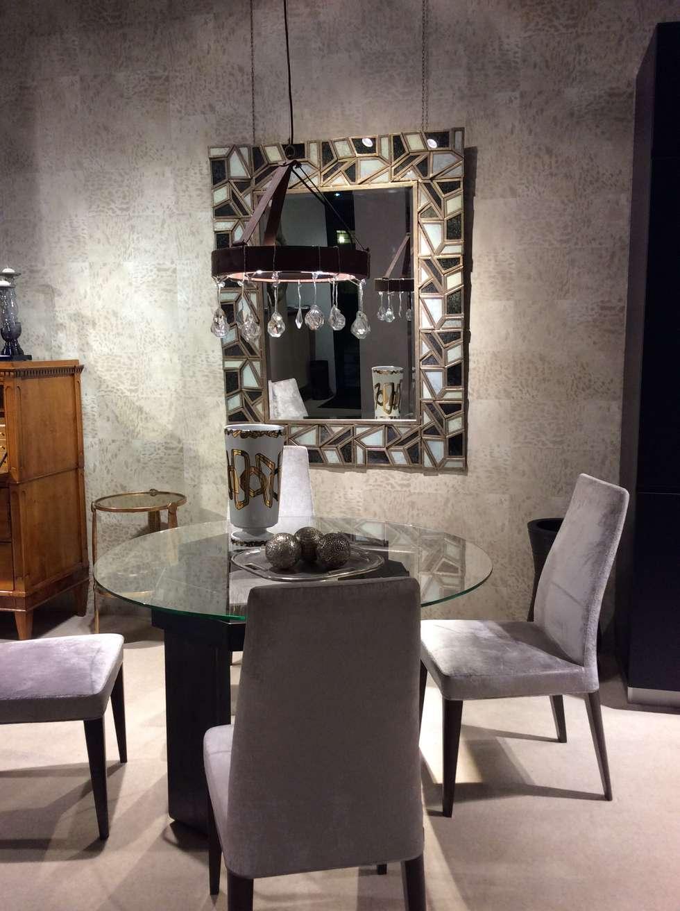 mirror and more: Sala da pranzo in stile in stile Moderno di bilune studio