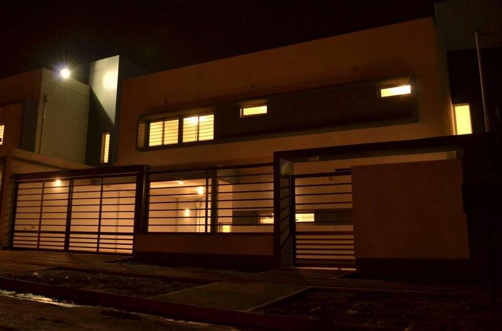 Vivienda tipo Duplex: Casas de estilo minimalista por Alejandro Acevedo - Arquitectura