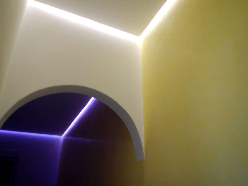 Chambre de style de style Moderne par RenoBuild Algarve
