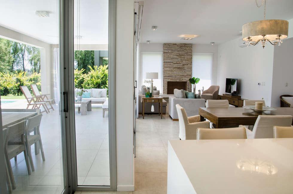 interior: Livings de estilo moderno por Parrado Arquitectura