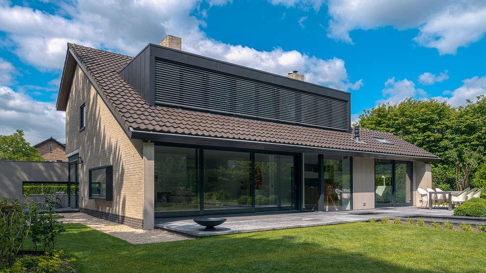 Renovatie en verbouwing villa in ruitersbos te breda moderne