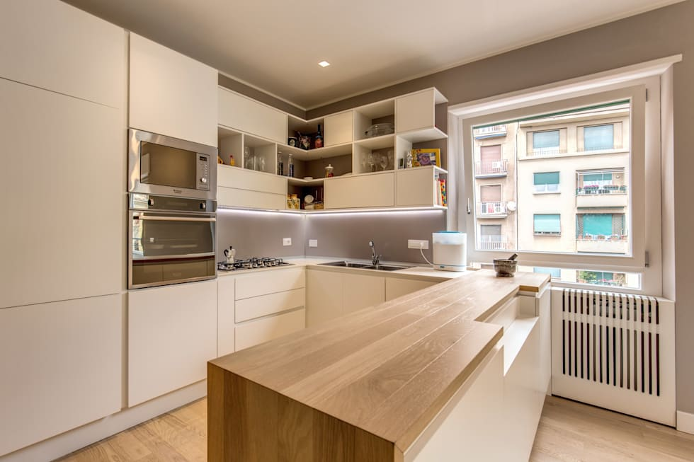 TRIESTE : Cucina in stile in stile Moderno di MOB ARCHITECTS
