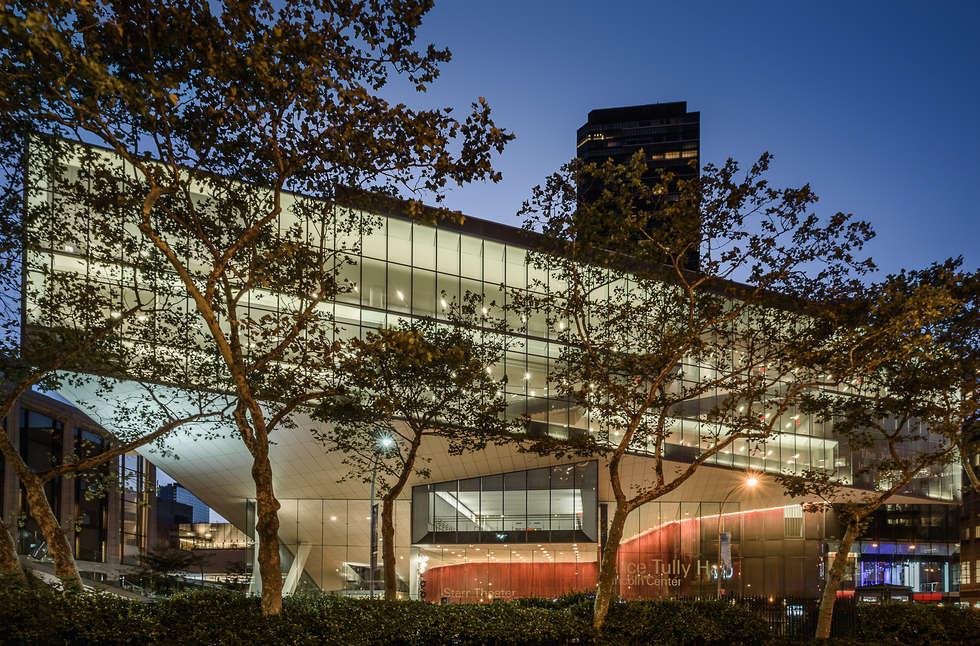 Ampliamento della Juilliard School di New York: Case in stile in stile Moderno di Alessio Forlano Architettura e Fotografia