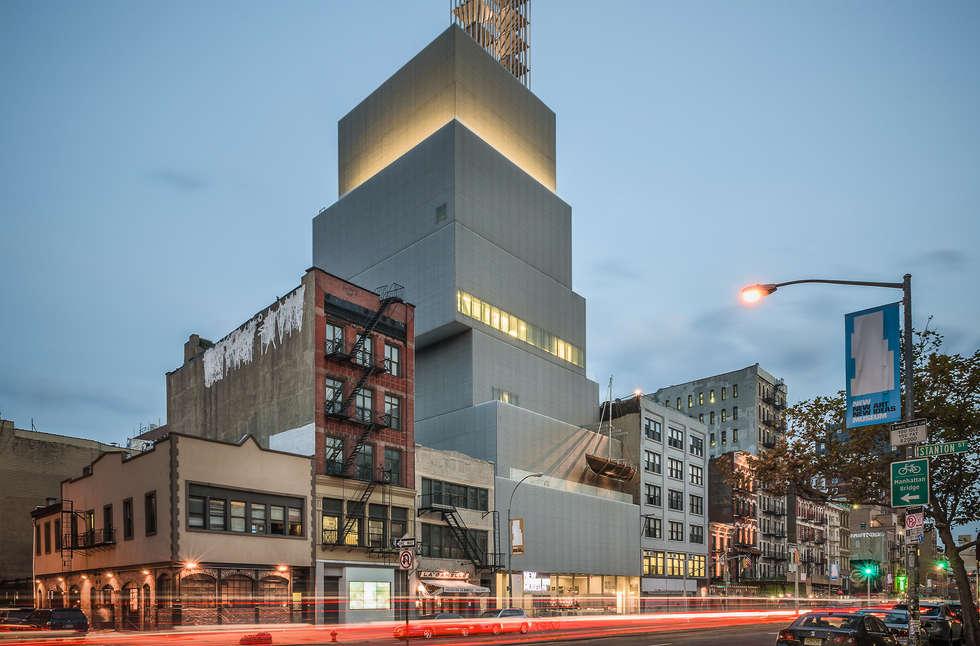 New Museum Of Contemporary Art: Case in stile in stile Moderno di Alessio Forlano Architettura e Fotografia