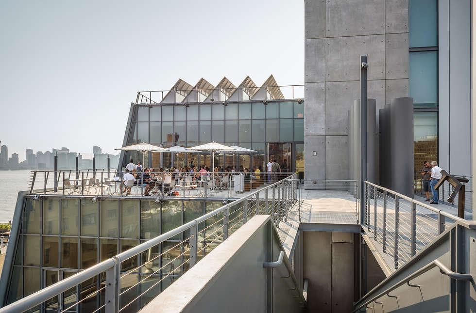 Whitney Museum: Case in stile in stile Moderno di Alessio Forlano Architettura e Fotografia