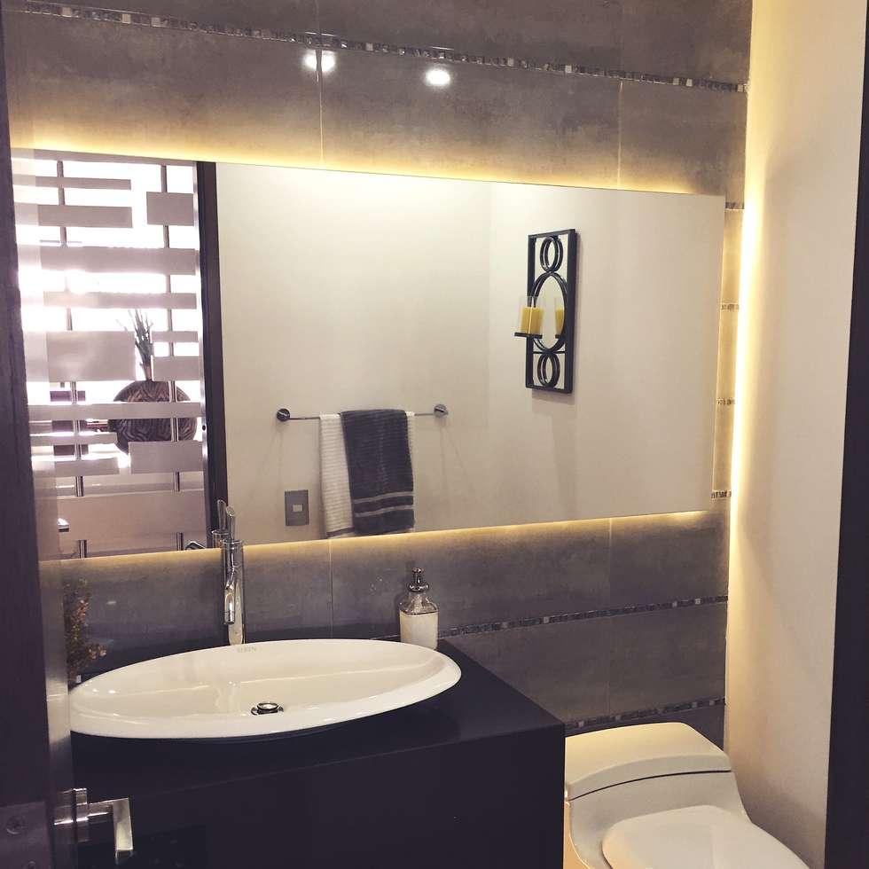 Baño Auxiliar: Baños de estilo moderno por ea interiorismo
