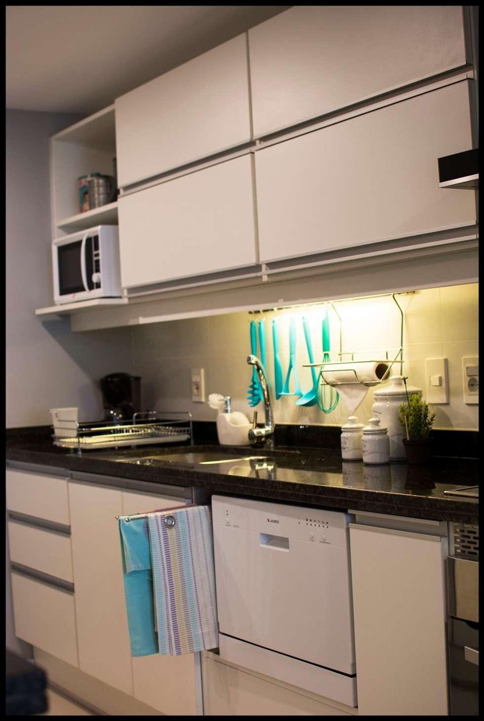 Cocina integrada: Cocinas de estilo ecléctico por Diseñadora Lucia Casanova