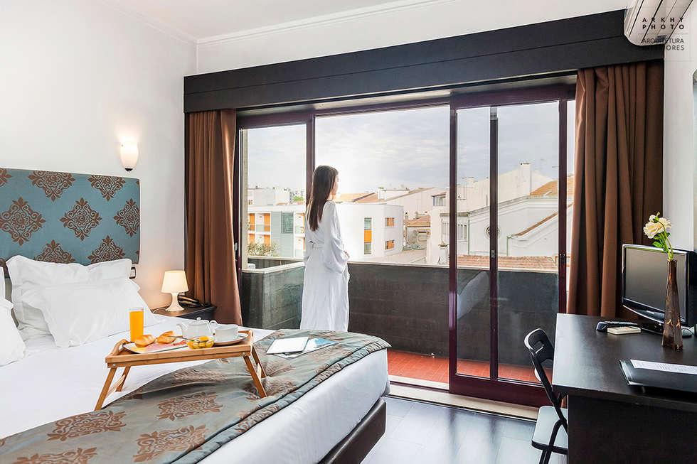 Aqua Hotel | Ovar: Quartos modernos por ARKHY PHOTO